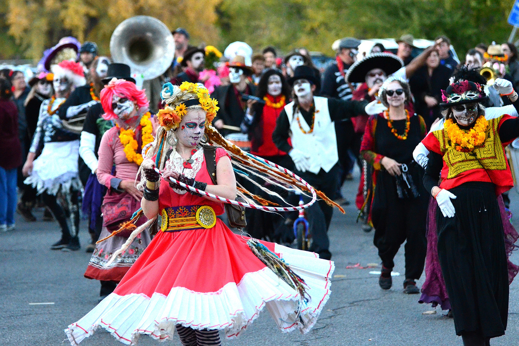 A Guide to Dia de los Muertos Festival